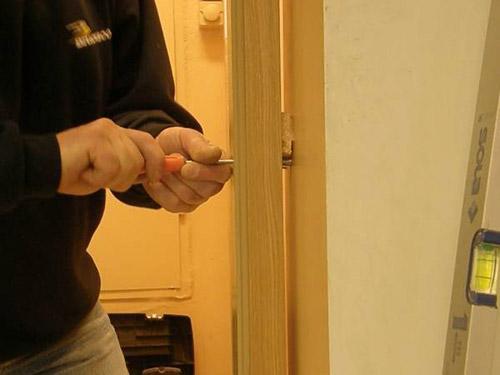 Подтянуть межкомнатные двери